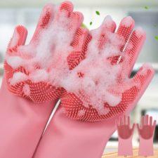 foto de los guantes en rosa con espuma