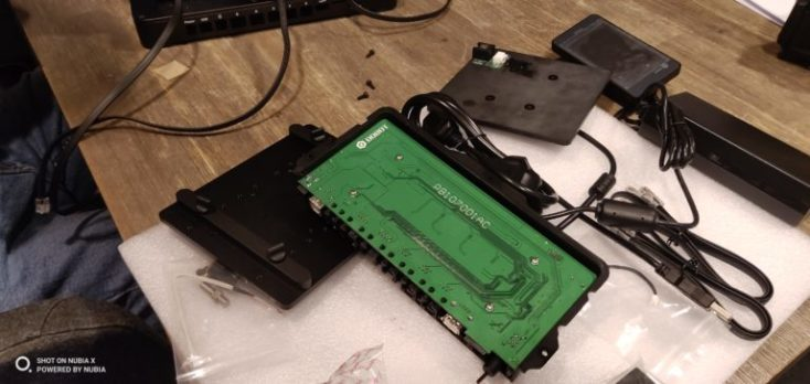 foto de prueba de piezas de una impresora 3D antes de montarla con la cámara principal del Nubia X