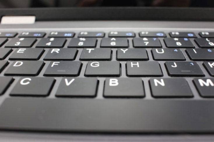 teclado visto de frente