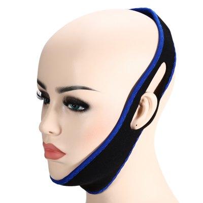 cabeza de un maniquí con la diadema anti ronquidos