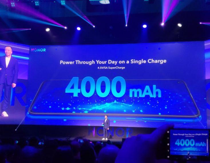 Foto publicitaria de los 4000 mAh de batería del smartphone en la presentación oficial