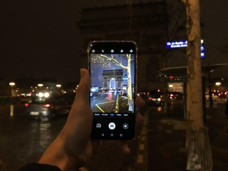 foto de prueba del arco del triunfo de noche en Paris