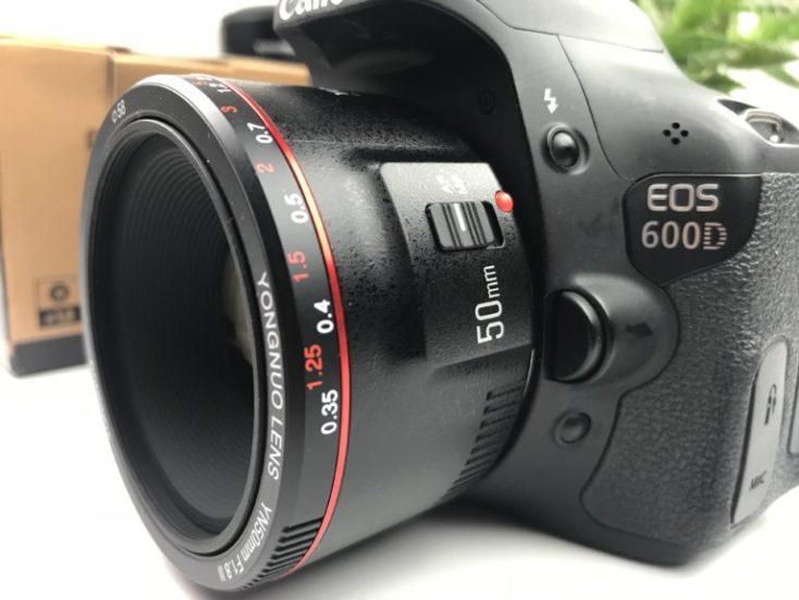 objetivo ouesto en una cámara Canon