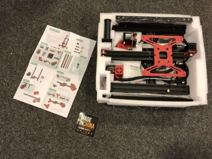 segundo nivel del paquete estructura inferior de la impresora en la espuma de embalaje