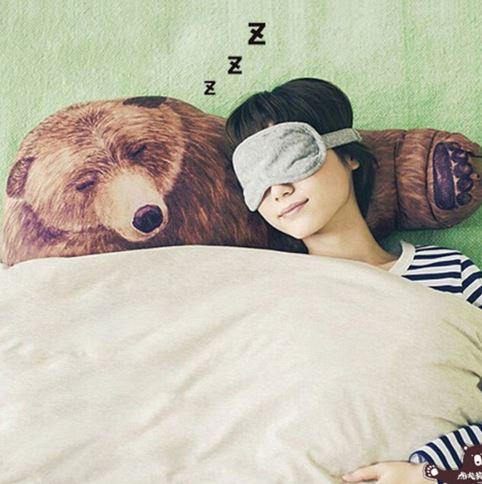 Almohada abrazo en forma de oso