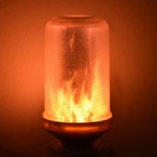 Bombilla con efecto de llamas