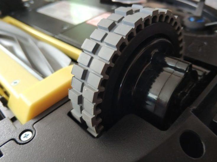 ruedas del robot aspirador