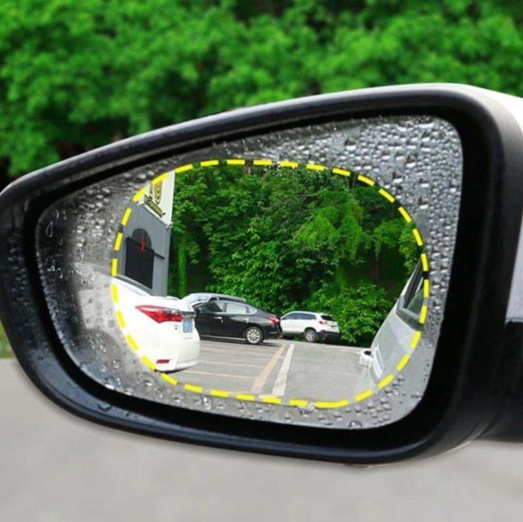 plástico protector en el retrovisor izquierdo