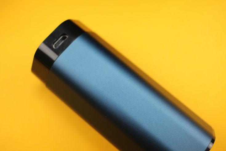ranura micro usb de la funda de carga de los auriculares TWS In-ear Lenovo air