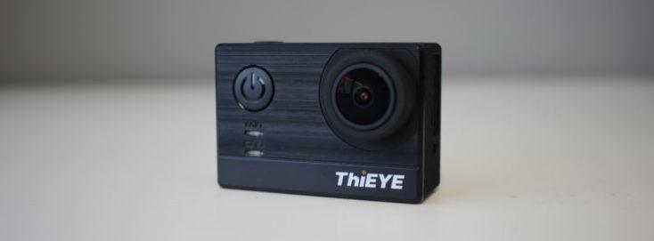 cámara de acción vista de frente