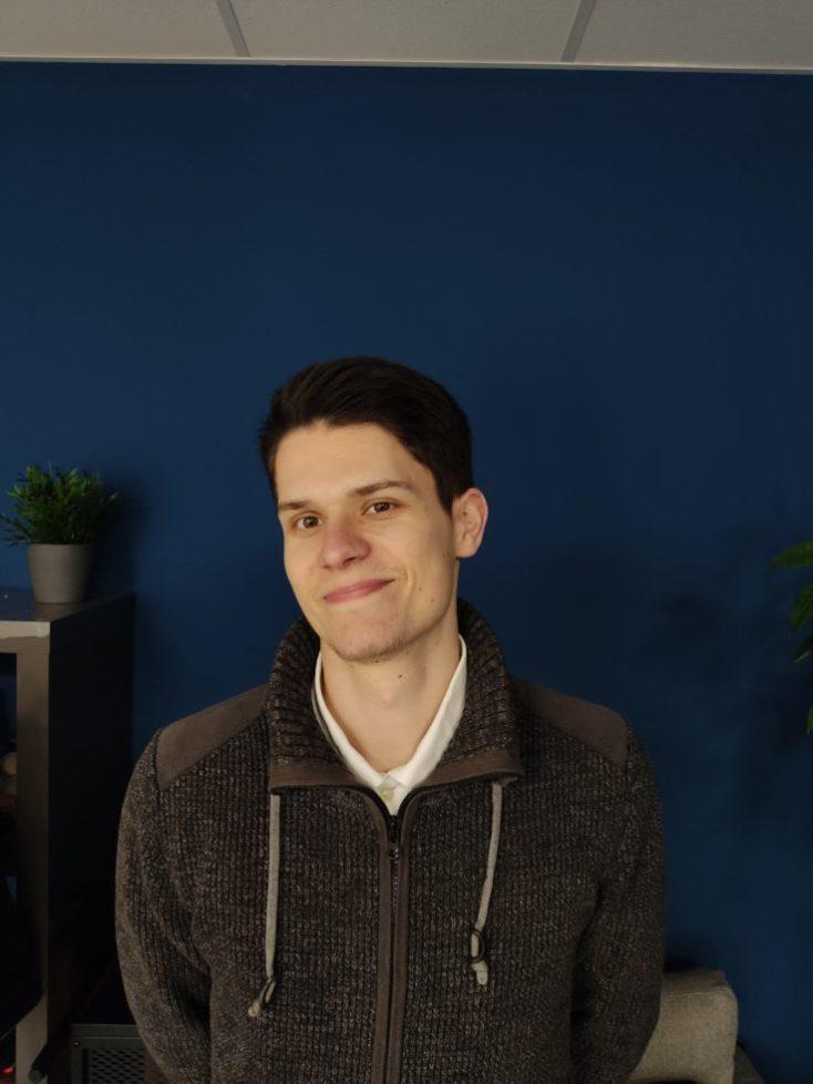 Foto de prueba de nuestro compañero con la cámara principal