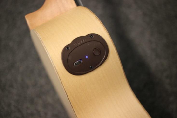 Botón de encendido y ranura mini USB