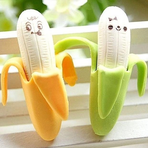 2 gomas de borrar con forma de plátano