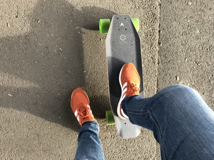 patinando en el ACTON X1