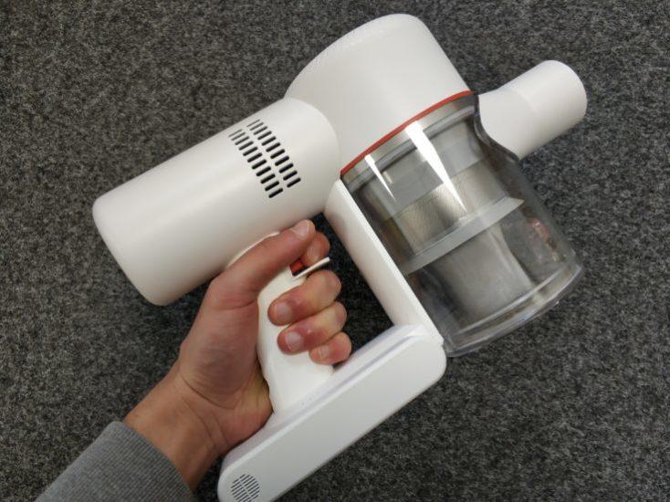 Accesorio de mano con el depósito de polvo de la Dreame V9