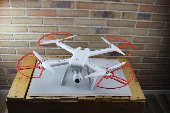 Unboxing del Xiaomi Mi Drone, drone montado