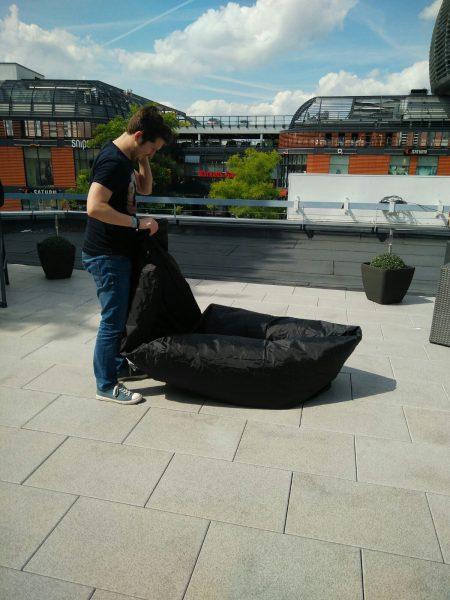 Nuestro primer intento de inflar la tumbona