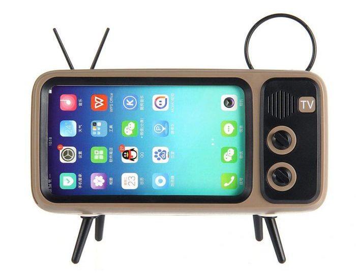 Altavoz y sporte para smartphones en forma de TV retro por delante