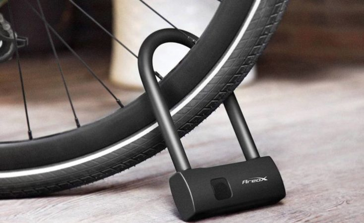 AreoX U8 Candado Smart Lock en la rueda de la bicicleta