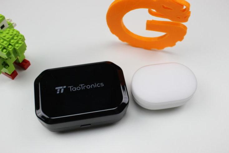 Tao Tronics TT BH052 funda de carga comparada con los Xiaomi Mi Air Dots