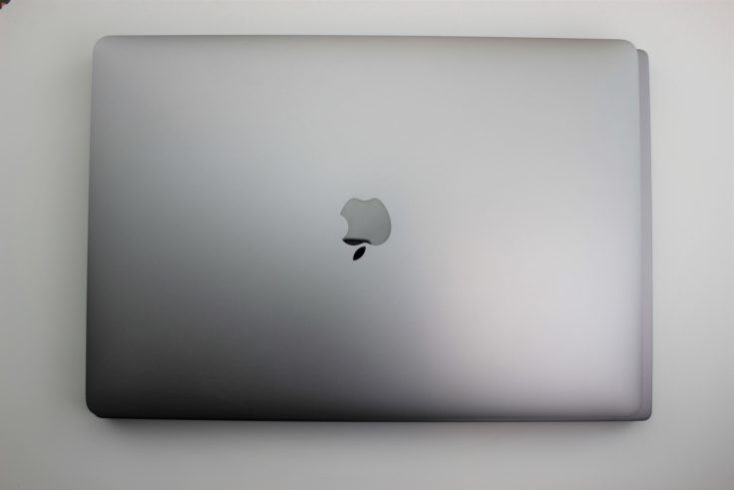 Comparación de tamaños del Xiaomi Mi Notebook Pro con el Macbook Pro