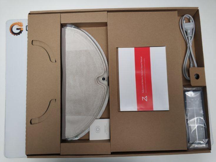 caja abierta del Xiaomi Roborock S6