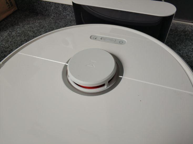 Xiaomi Roborock S6 en su estación de crga