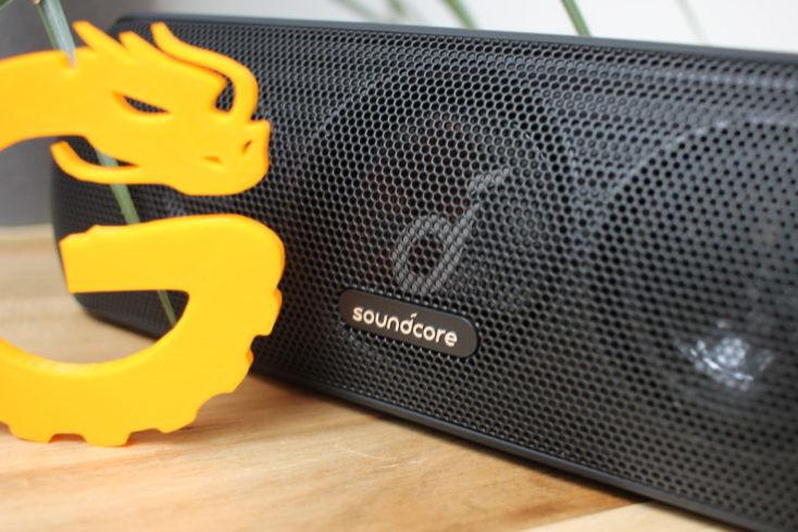 Altavoz bluetooth Anker Soundcore Motion + visto de cerca