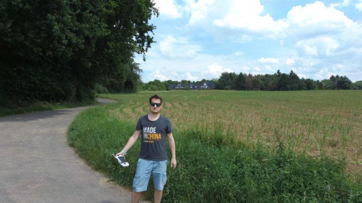Foto de prueba de Jens en el campo con el Drone FIMI X8 SE