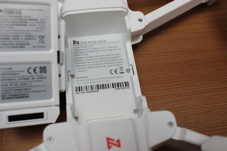 Espacio para la batería en el Drone FIMI X8 SE