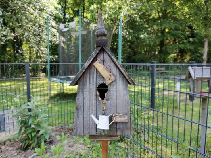 Foto de prueba de una casa de pájaros con la cámara principal del One Plus 7 Pro