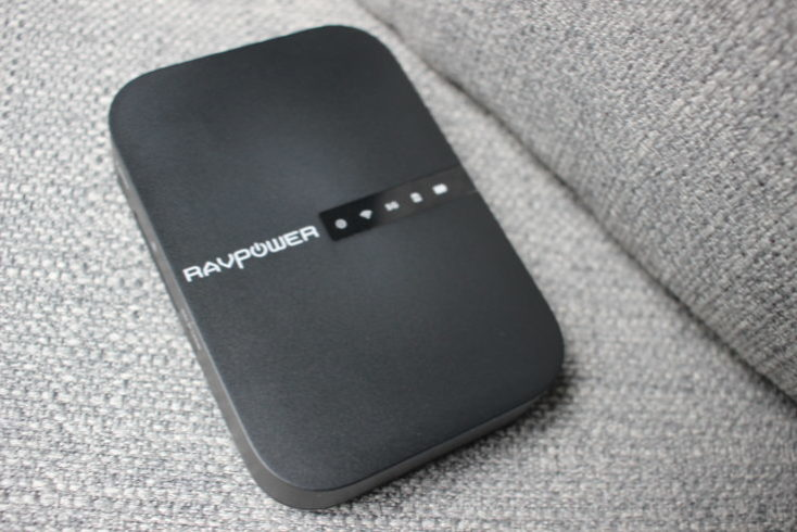 Diseño del router portátil RAVPower Filehub