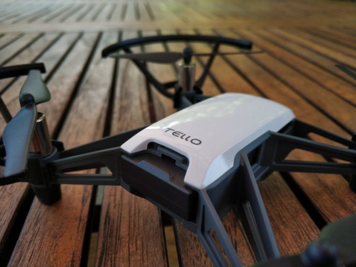 Drone Ryze Tello en la mesa