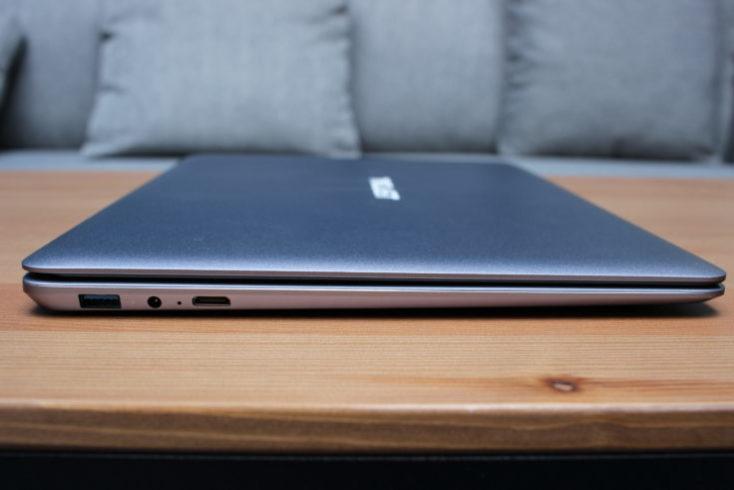 Puertos del lado derecho del Notebook Teclast F7 Plus