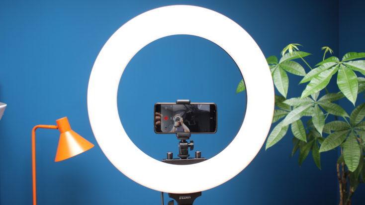 Anillo de luz para fotografía Craphy con trípode y smartphone