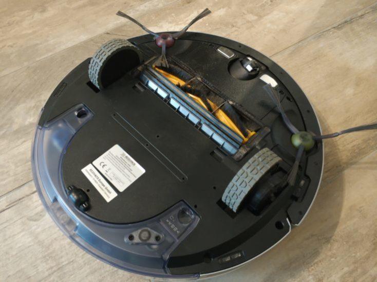 Parte de abajo del Robot aspirador Deebot Ozmo 900