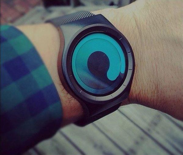 Reloj de espirales en azul