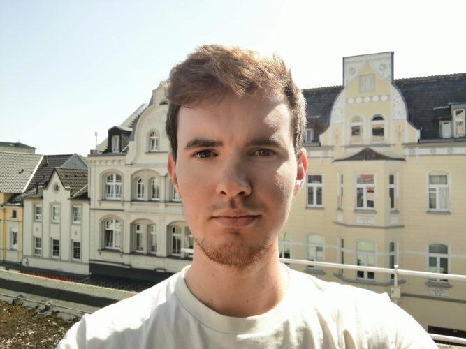 Selfie con la cámara frontal de la tablet