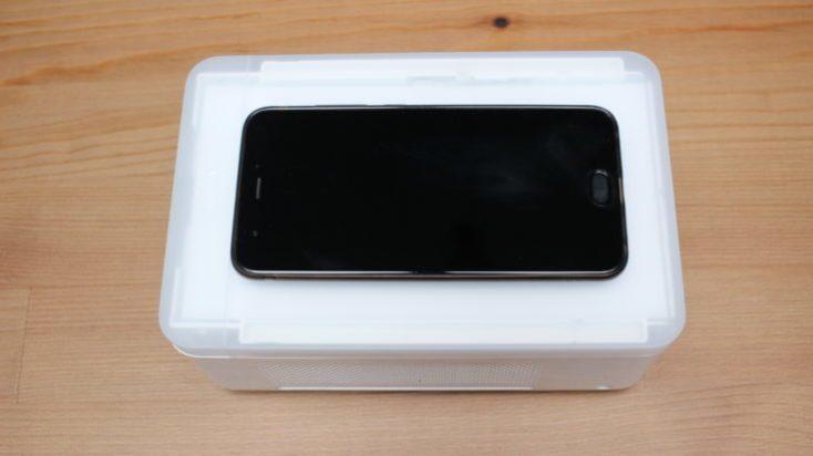Comparación de tamaño de la Impresora para fotos Xiaomi Mijia y un smartphone