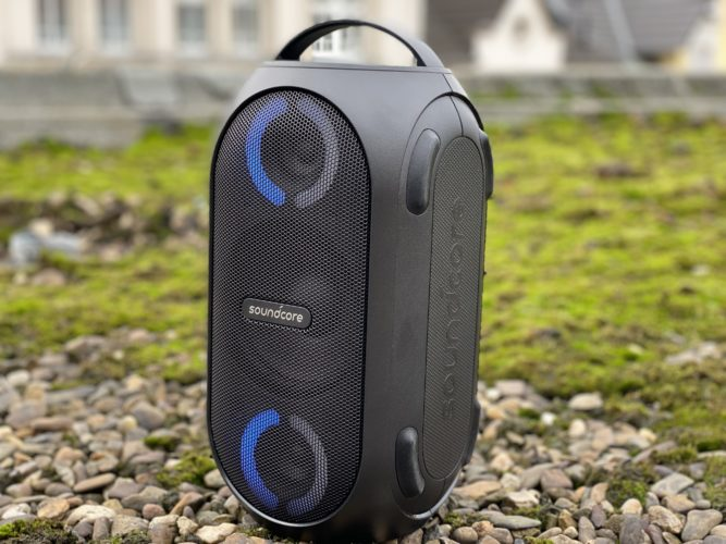 bluetooth Anker Soundcore Rave Mini con luces