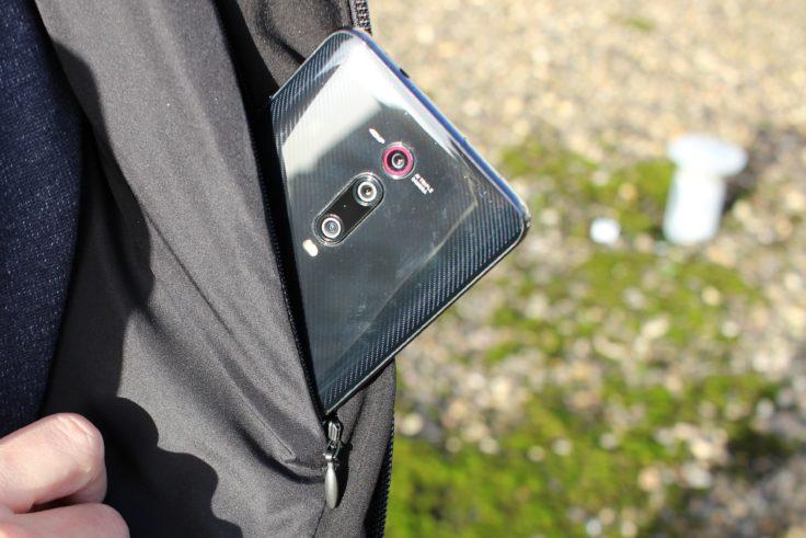 Bolsillo interior de la chaqueta de plumas 90FUN con sistema de calefacción