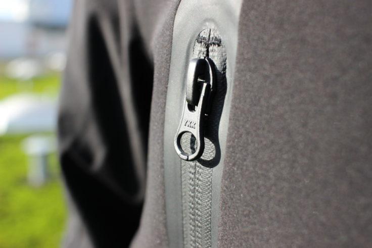 Cremallera de la chaqueta de plumas 90FUN con sistema de calefacción