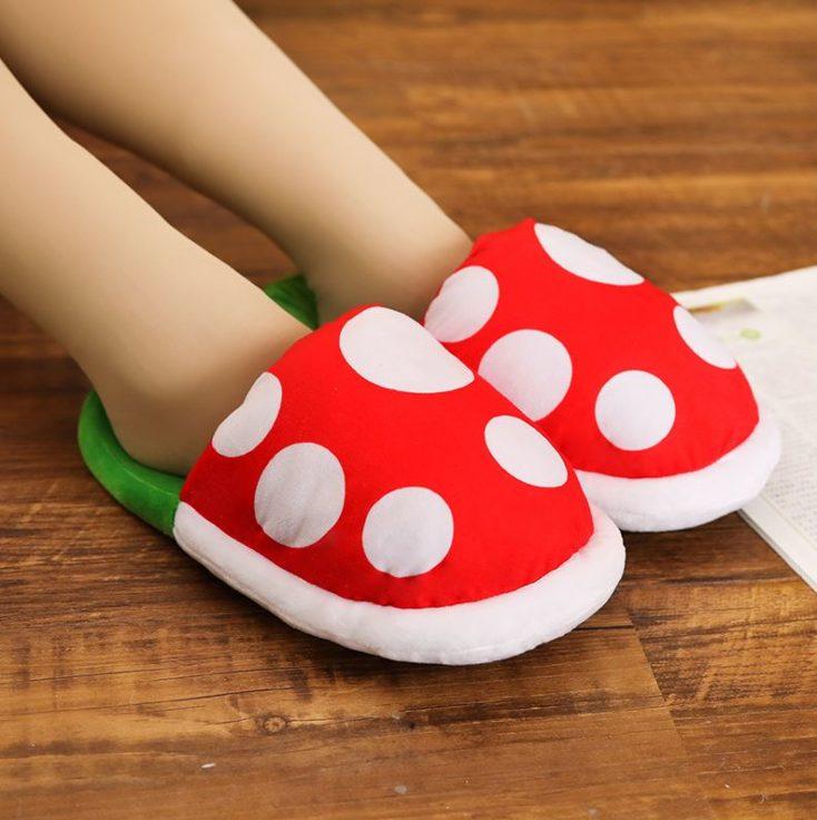 Zapatillas para casa de planta piraña puestas