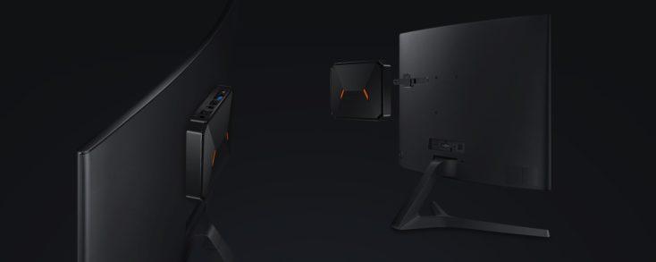 CHUWI HeroBox con montura para el monitor
