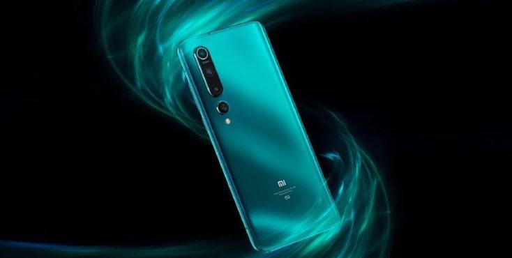 Dorso del Xiaomi Mi 10 en verde