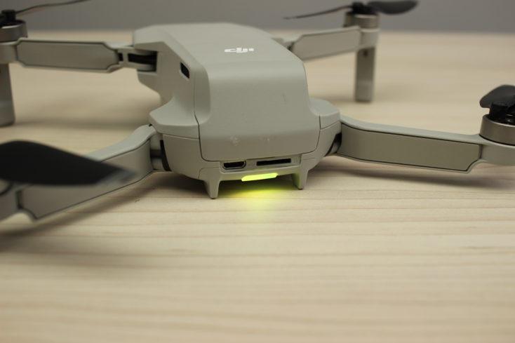 Luz Led de la batería y puertos del drone Mavic Mini de DJI