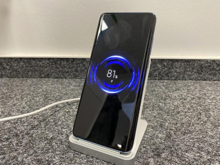 Cargando de forma inalámbrica el Xiaomi Mi 10
