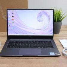Huawei MateBook D14 con sus accesorios