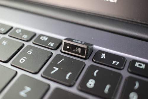Webcam activa en el teclado del Huawei MateBook D14 AMD 2020