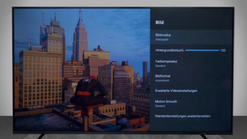 Ajustando la pantalla de la Xiaomi Mi TV 4S jugando a Spiderman
